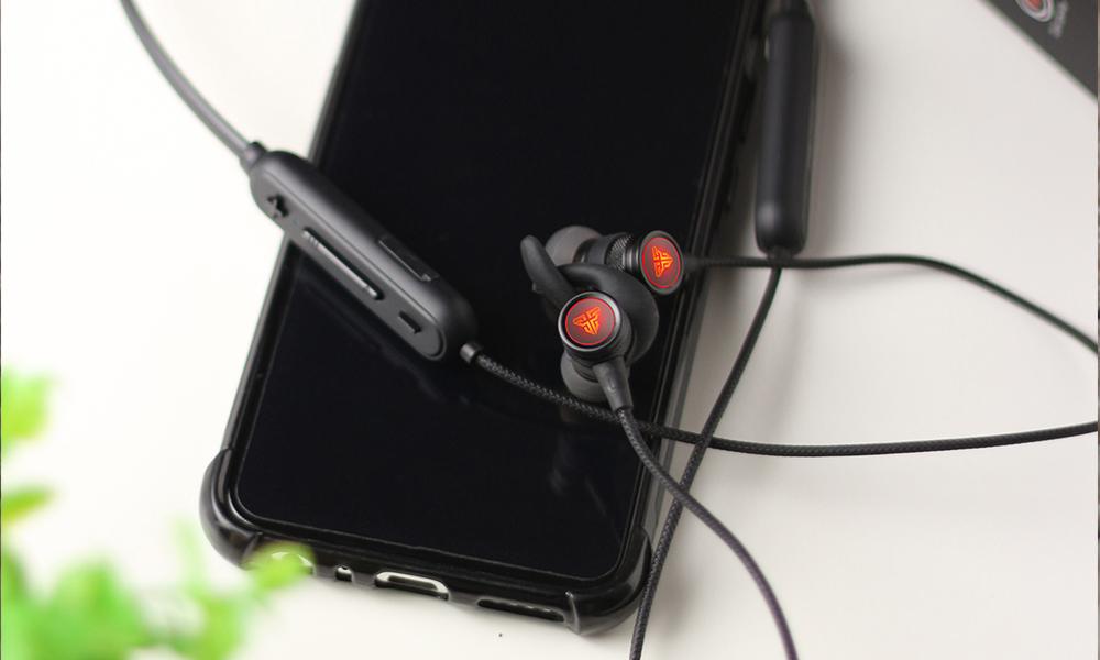 fantech wireless earphones WN01 1