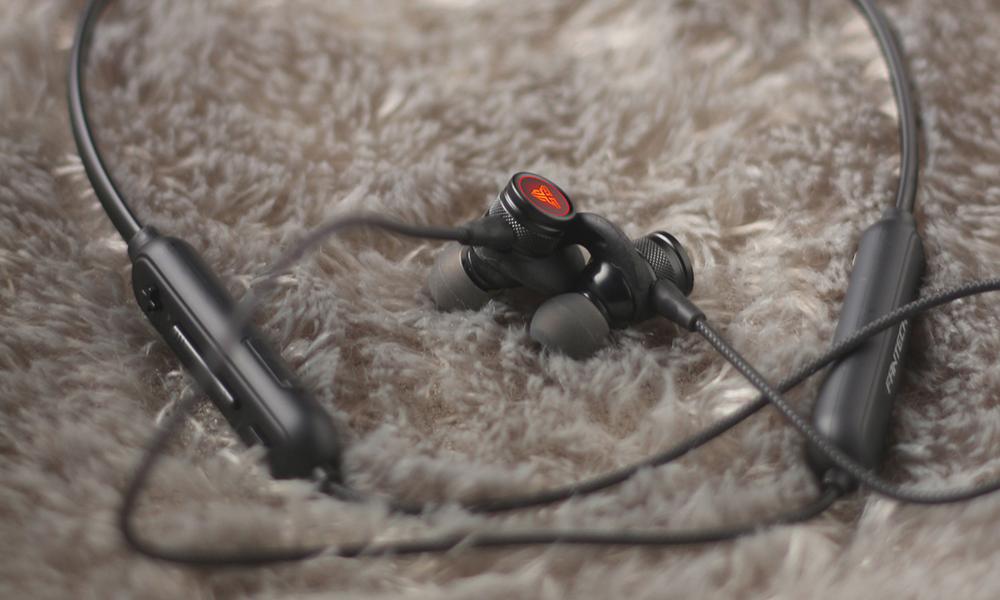 wireless earphones WN01